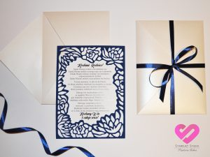 Eleganckie, ażurowe zaproszenia ślubne dla rodziców, prośba o blogosławieństwo w stylu glamour