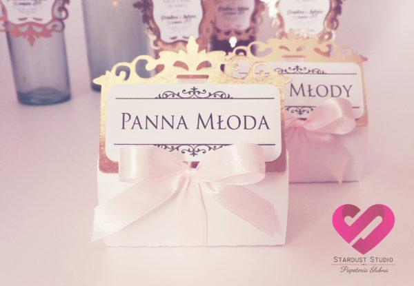 Eleganckie winietki pudełeczka ślubne dla gości w stylu glamour