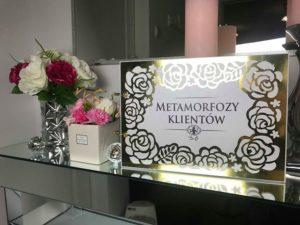 Oryginalna, elegancka księga gości glamour ze złotym ażurem z motywem kwiatów, róż.