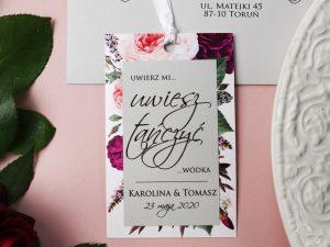 zawieszki ślubne kwiatowe piwonie Pastelowe, odważne zawieszki ślubne na alkohol z motywem kwiatów w stylu boho