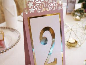 Numery na stół wycinane laserowo numery na stoły ażurowy złote pudrowy róż