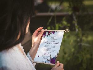 Niesamowite zaproszenia ślubne Alicja w Krainie Czarów zaproszenia ślubne zwijane oryginalne zaproszenia ślubne bajkowe zaproszenia ślubne zwijane