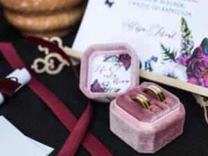 Pudełko na obrączki ślubne welurowe różowe miękkie